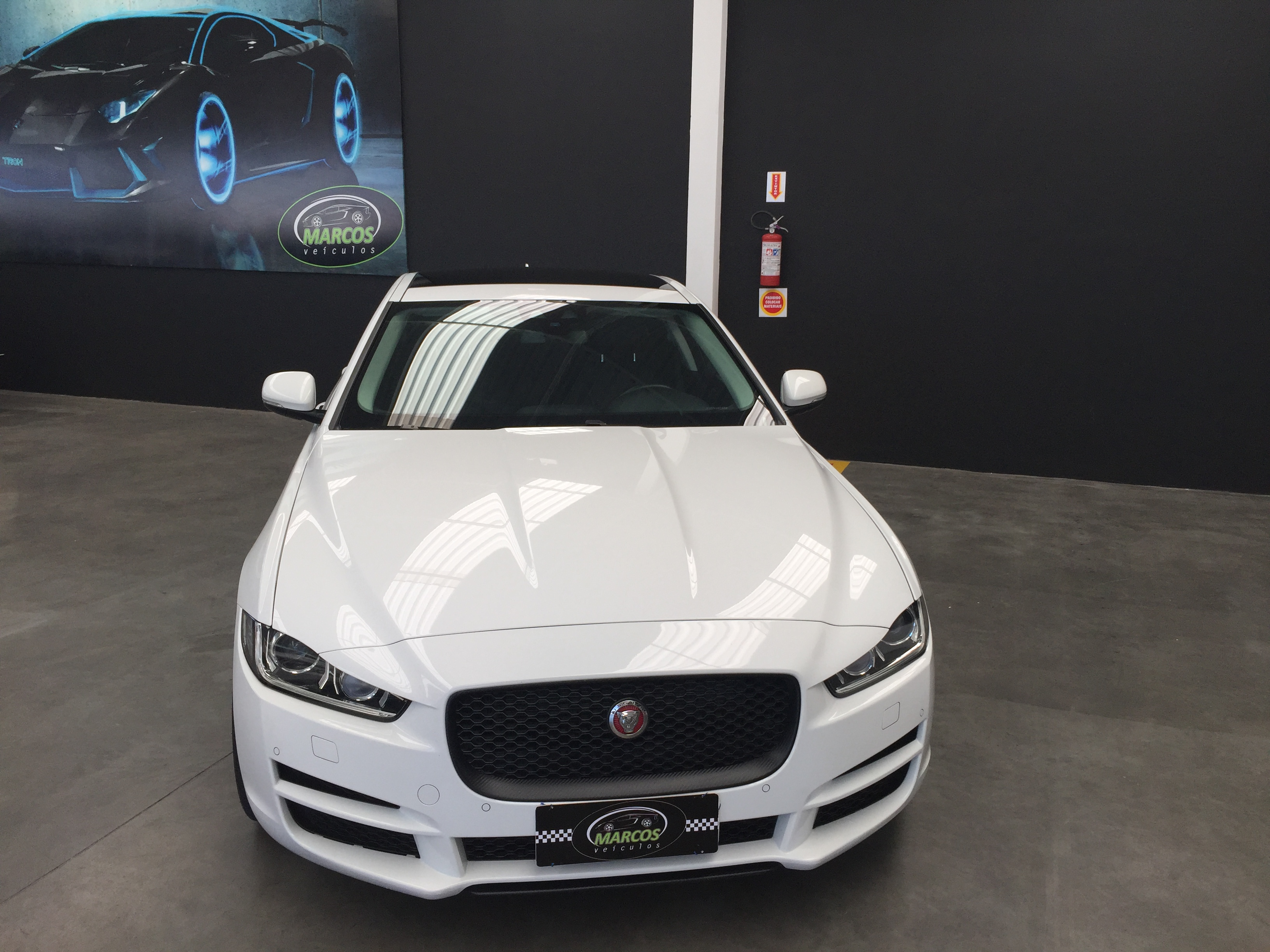 Lindo Jaguar XE 2.0 Turbocharged Pure 240cv Aut